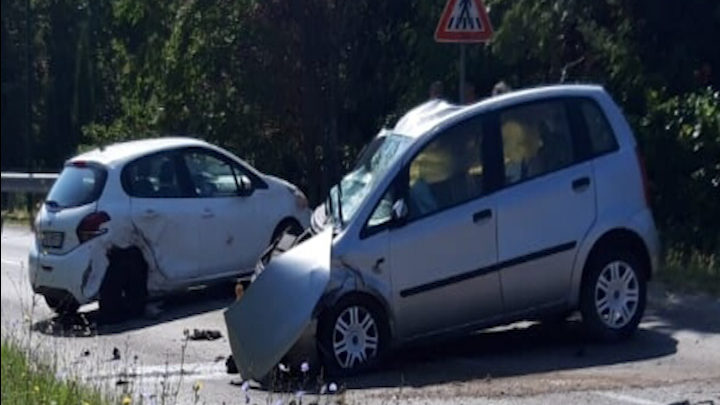 INCIDENTE MORTALE  A GUARDIA LOMBARDI.  GIOVANE DONNA PERDE LA VITA
